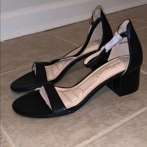 Brand new short heel sandal